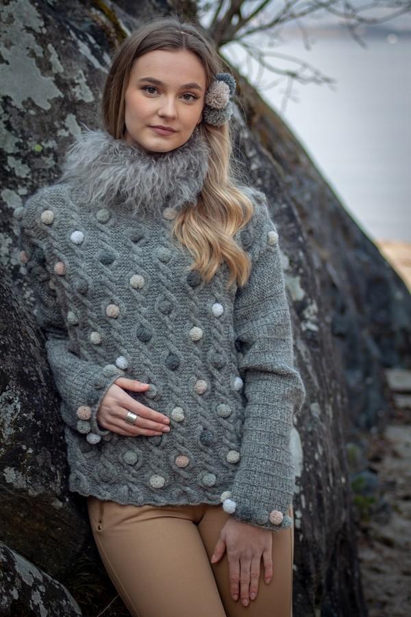 genser med pompong